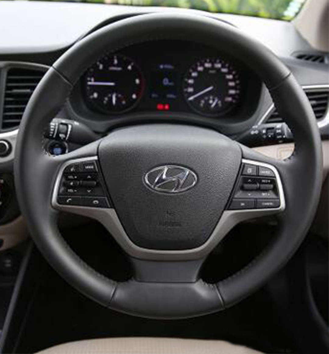 https://iciciauto.com/storage/upload/model_images/Hyundai Verna-Sedan-Steering.jpg