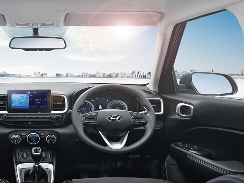 https://iciciauto.com/storage/upload/model_images/Hyundai_ Venue_Steering.jpg