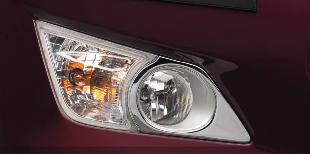 https://iciciauto.com/storage/upload/model_images/Innova Crysta-MUV-Fog Lamp.jpg