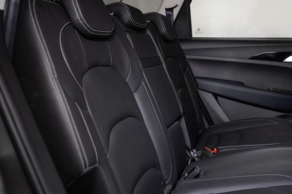https://iciciauto.com/storage/upload/model_images/MG Hector Seating1.jpg