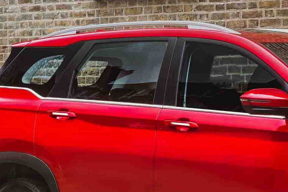 https://iciciauto.com/storage/upload/model_images/MG Hector Window Line.jpg
