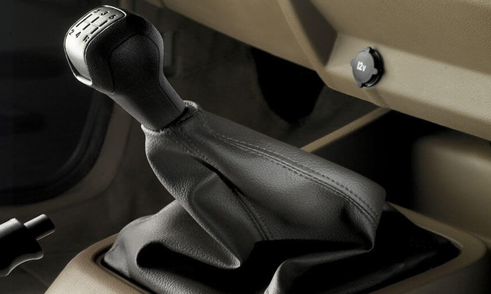 https://iciciauto.com/storage/upload/model_images/Mahindra Bolero-Suv -Lever.jpg