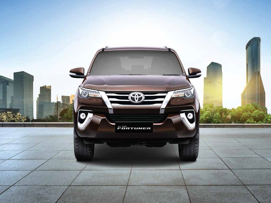 https://iciciauto.com/storage/upload/model_images/ToyotaFortuner-SUV-Front View.jpg