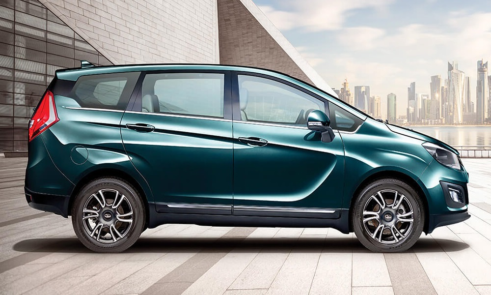 https://iciciauto.com/storage/upload/model_images/mahindra-marazzo-side-view.jpg