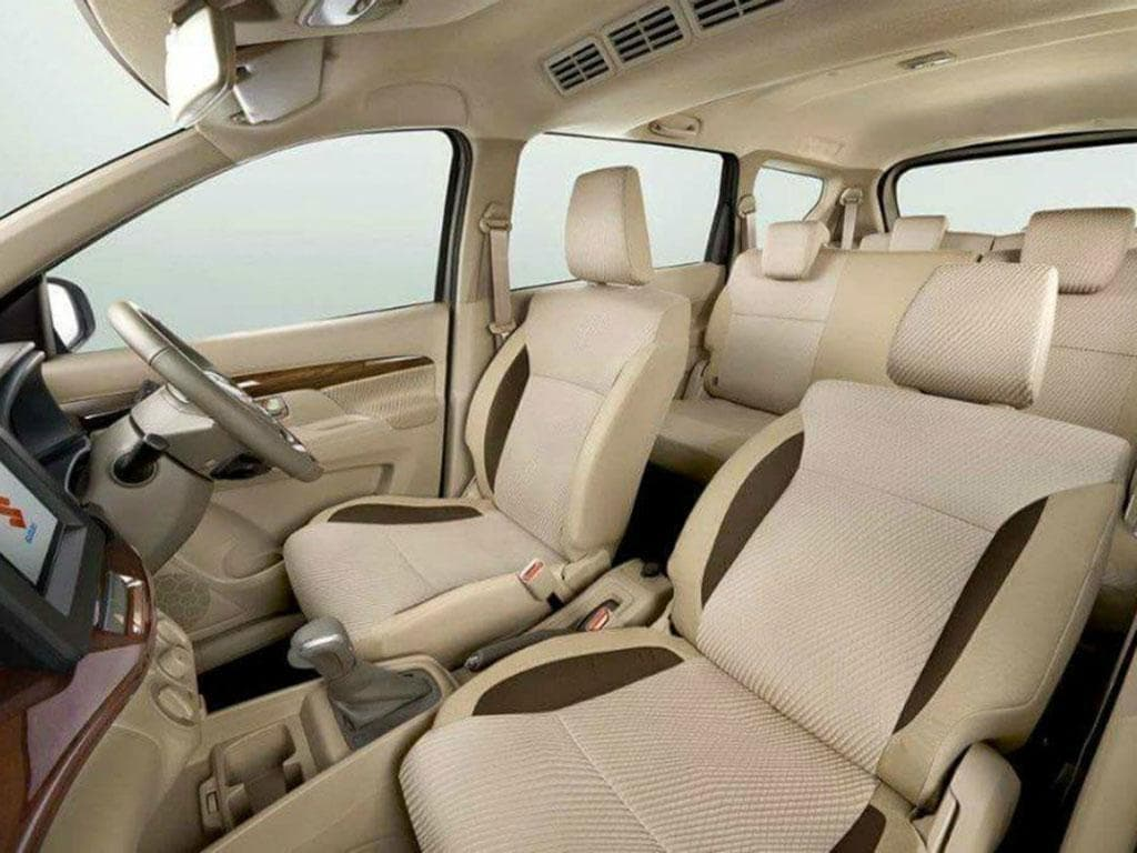 https://iciciauto.com/storage/upload/model_images/marutisuzuki-ertiga-facelift-seating.jpg